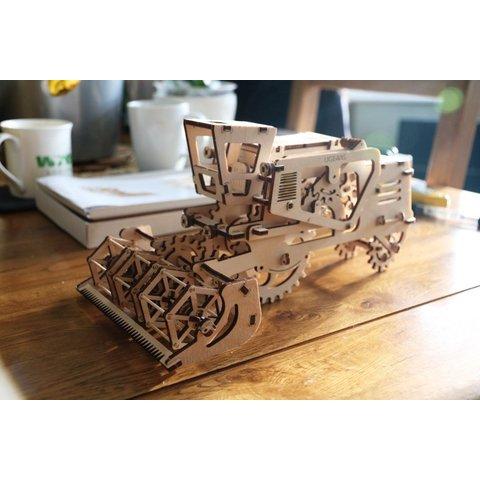 Механический 3D-пазл UGEARS Комбайн - Просмотр 6
